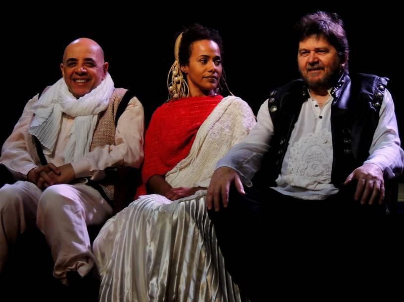Pascoal da Conceição, Naruna Costa e Celso Frateschi: o elenco de Antígona