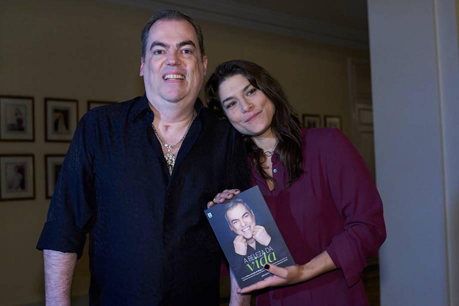 Biaggi e Priscila Fantin: uma das primeiras a chegar ao lançamento da biografia A Beleza da Vida, no Copacabana Palace