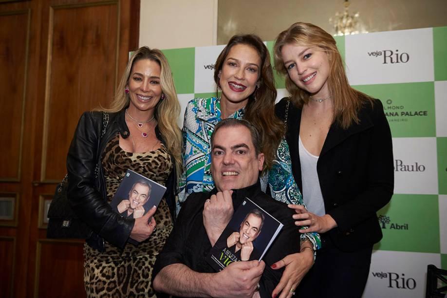 Dani Winits, Luana Piovani, Rhaisa Batista e Biaggi: lançamento do livro ficou cheio de amigas e clientes do maior cabeleireiro do Brasil