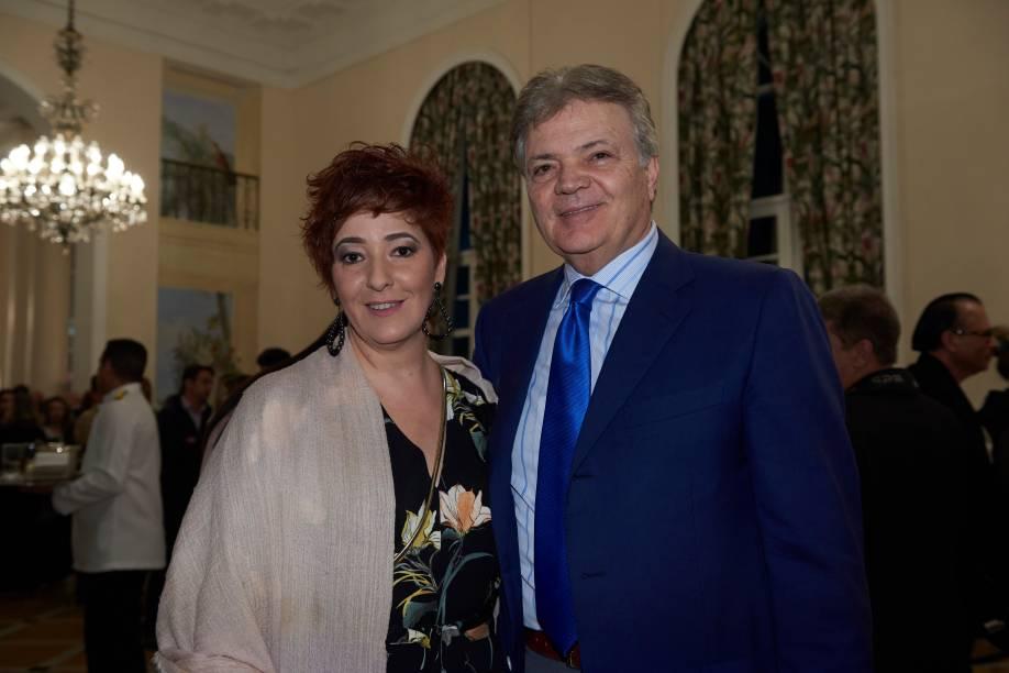 Nanni Protti e Gerardo di Grado, da distribuidora e importadora da L'Aretuseo: vinho de qualidade no coquetel de lançamento