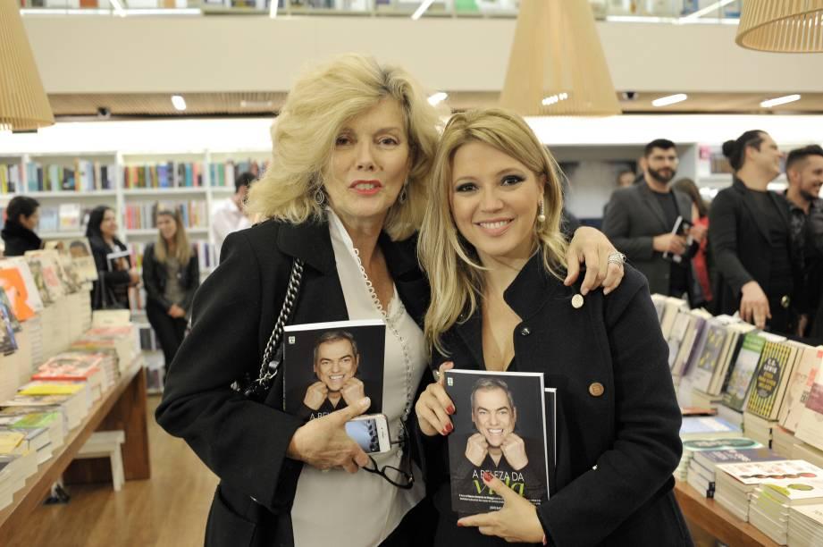 Marina e Patrícia de Sabrit, esta última penteada por Biaggi quando se casou com o cantor Fábio Jr.