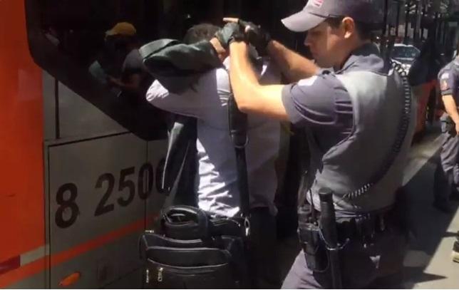 Assécio ônibus Paulista