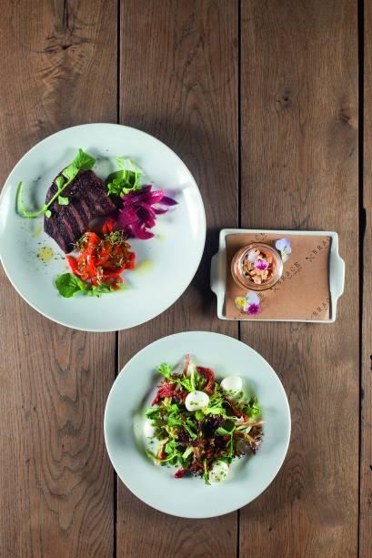 Da grelha: o steak de angus vem com salada e musse de doce de leite