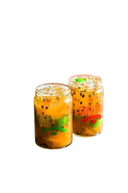 Caipirinhas:  saborosas, chegam em potes de vidro