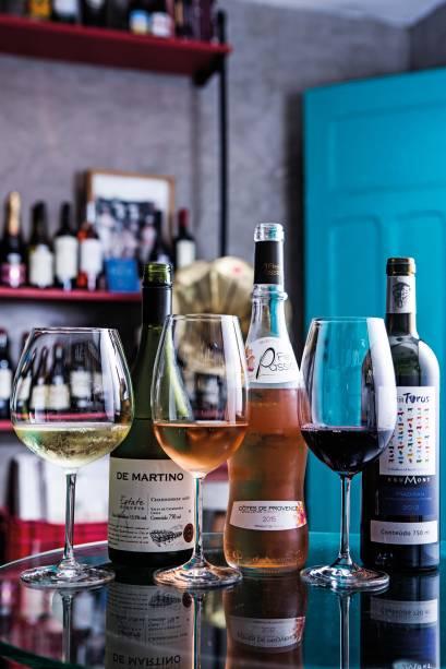 Alguns dos rótulos do wine bar: 110 variedades