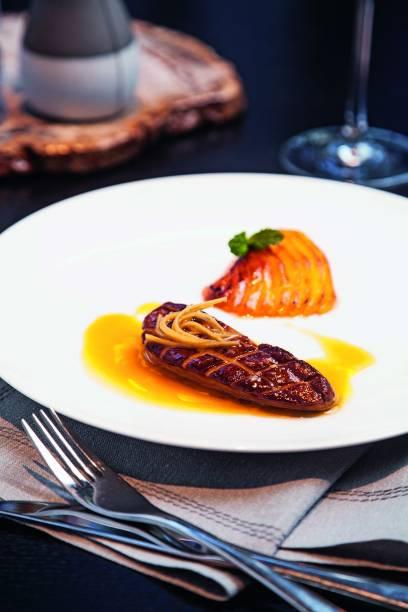 Foie gras grelhado com manga e gengibre