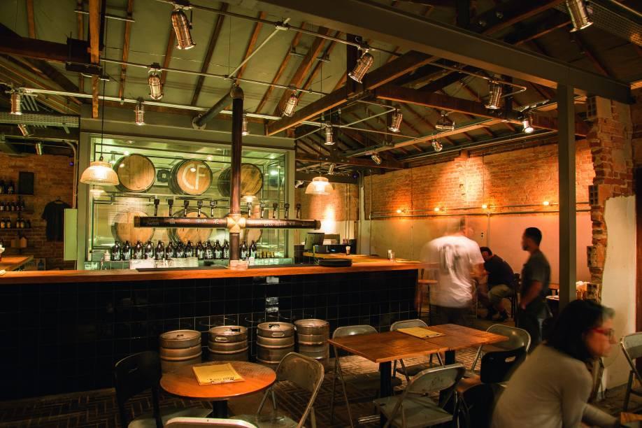 O ambiente: escondido no bar Original