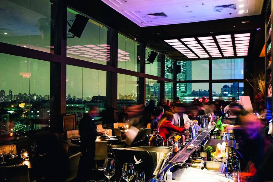 Tetto Rooftop Lounge: o salão com janelões