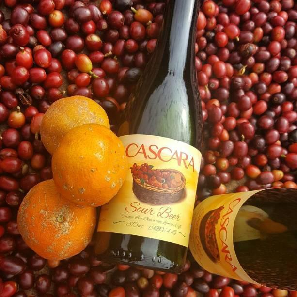<strong>Zalaz</strong><span>com Cascara (sour com limão-cravo e chá da casca do café), Barley Wine, Pazion (american wheat com maracujá), Double Zuzi (coffee porter), California Common, Belgian Blond, Wheat Wine, Lúmen (citrus pale lager) e Áurea (IPA)</span>