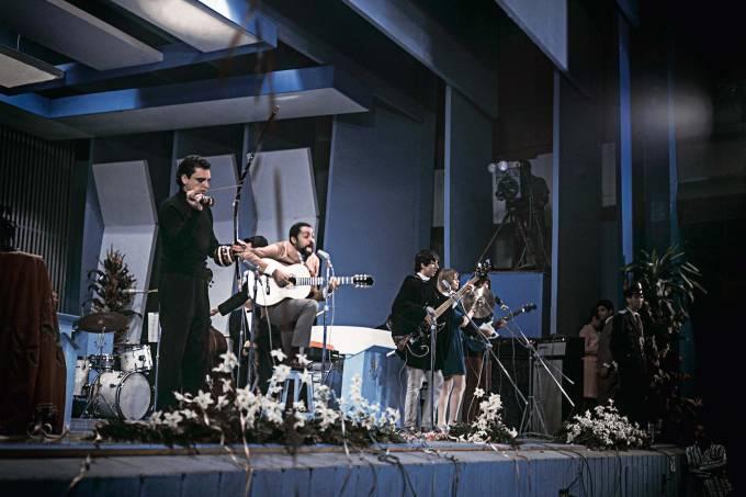 Gilberto Gil e Os Mutantes no Festival da Record.