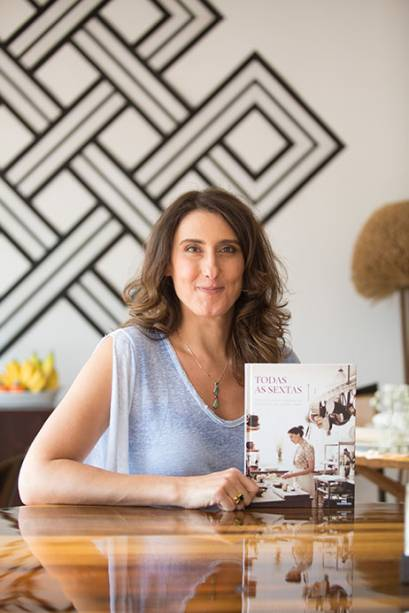 Paolla Carosella: chef do restaurante Arturito, que tem um stand na feira, autografou exemplares do seu livro de estreia 'Todas as Sextas'. Paola ainda fará um jantar exclusivo com receitas ovolactovegetarianas no domingo (26).