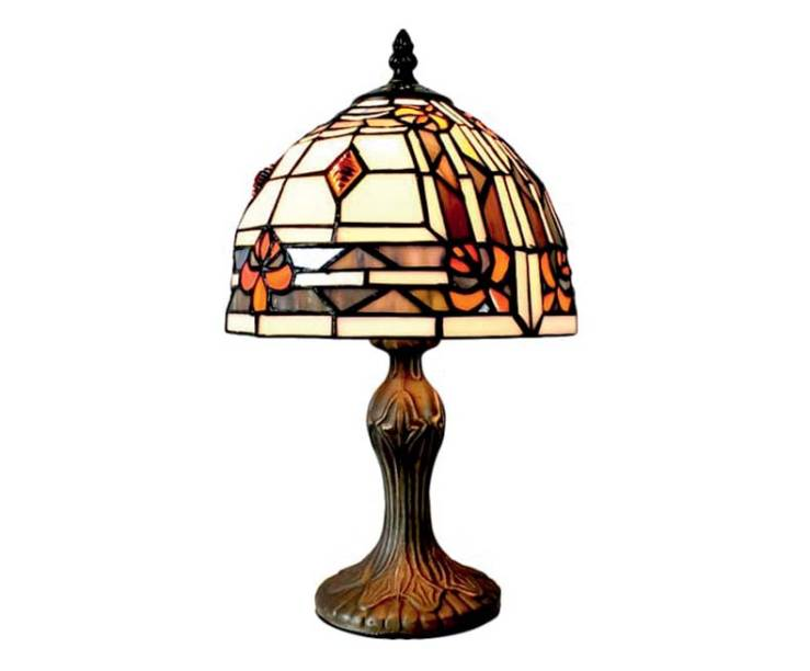 Abajur com cúpula de vidro (36 cm x 20 cm), R$ 459,90. Westwing.