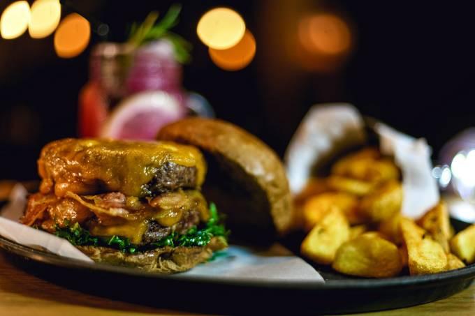 BOSS.FRONT – burger on fleek