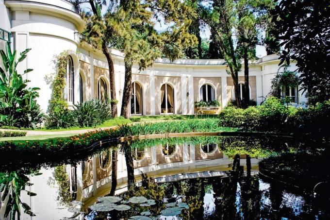 Fundação Emma Klabin, com jardin projetado pelo paisagista Burle Marx.