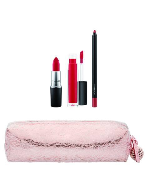 Pretty Polished Lip Bag em Red,229 reais