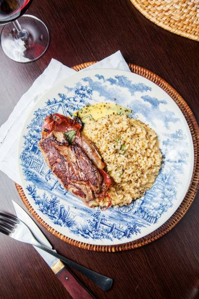 Saltimbocca com risoto cacio e pepe