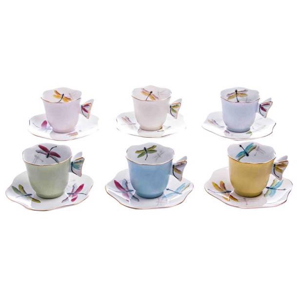 Conjunto de seis xícaras de porcelana, R$ 425,00. Tania Bulhões.