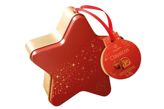 """• Estrela de Natal 80 g, Cacau Show – R$ 21,90. Uma sugestão de CACAU SHOW. Preço pesquisado em dezembro/2017.<a href=""""http://www.natalcacaushow.com.br/produtos/estrela-de-natal-80g?utm_source=abril.com&utm_medium=guiadepresentes&utm_content=estrela-de-natal-80g&utm_campaign=cacaushow_natal_2017""""><span>natalcacaushow.com.br</span></a>"""