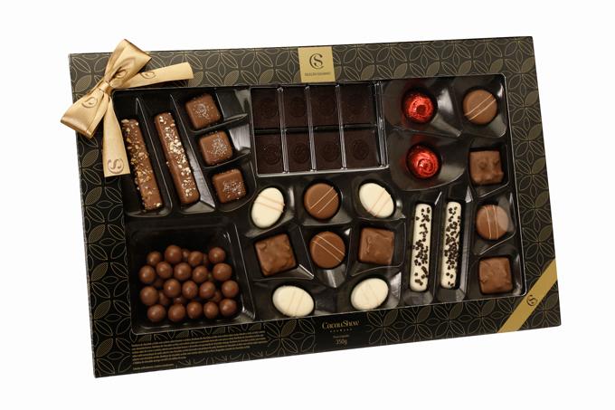 """• Seleção do Chocolatier 350 g, Cacau Show – R$ 59,90. Uma sugestão de CACAU SHOW. Preço pesquisado em dezembro/2017.<a href=""""http://www.natalcacaushow.com.br/produtos/selecao-do-chocolatier-350g?utm_source=abril.com&utm_medium=guiadepresentes&utm_content=selecao-do-chocolatier-350g&utm_campaign=cacaushow_natal_2017""""><span>natalcacaushow.com.br</span></a>"""