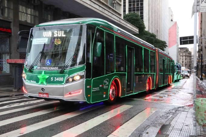 ônibus iluminado natal 2017
