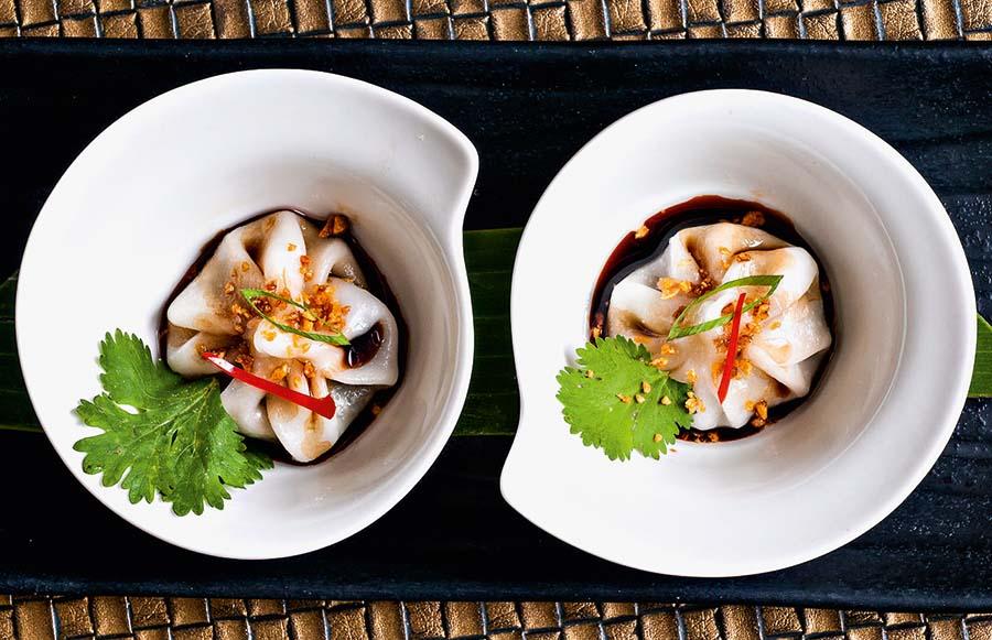 O dumpling de massa de arroz recheado de cogumelo e cebolinha