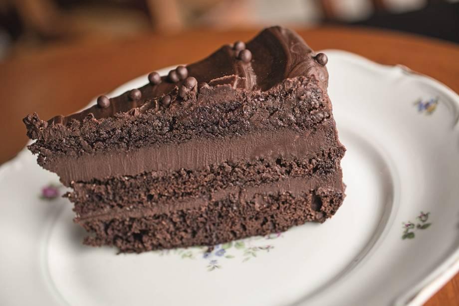 Bolo de chocolate: R$ 16,00