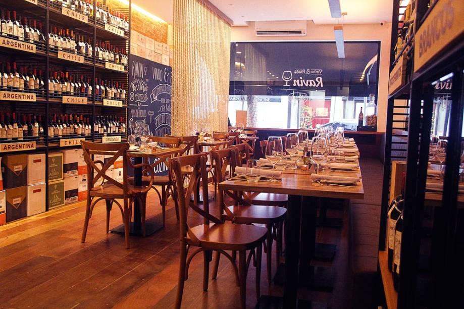 Ambiente do salão do Vinho & Pasta