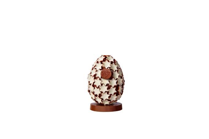 Ovo decorado com estrelas da Chocolate du Jour