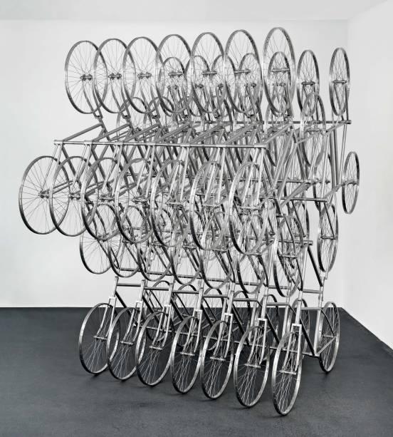 Bicicletas de aço inoxidável: criação do chinês Ai Weiwei, um dos destaques da neugerriemschneider