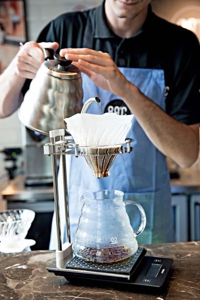 Aberto em dezembro de 2017, a casa segue técnicas orientais de torra, moagem e filtragem para preparar o japanese drip coffee