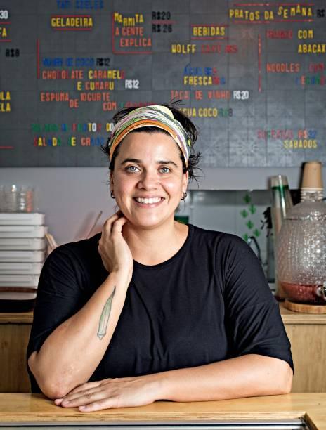 A chef e proprietária Tatiana Szeles no Marcha e Sai