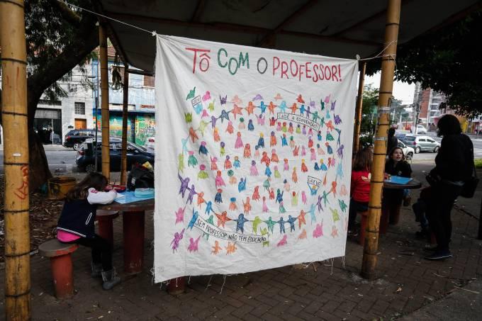 Professores da rede privada de ensino em SP realizam paralisação