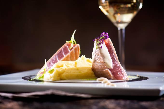atum selado com purê de limão siciliano – D'aurore restaurante – Campinas