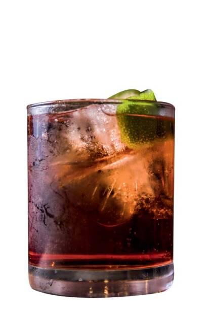 Drinque negroni-tônica do Ombra Italian Bar