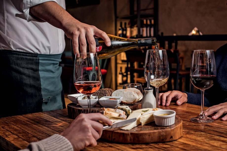 Bebidas à vontade: provam-se quinze rótulos a preço fixo no Bocca Nera