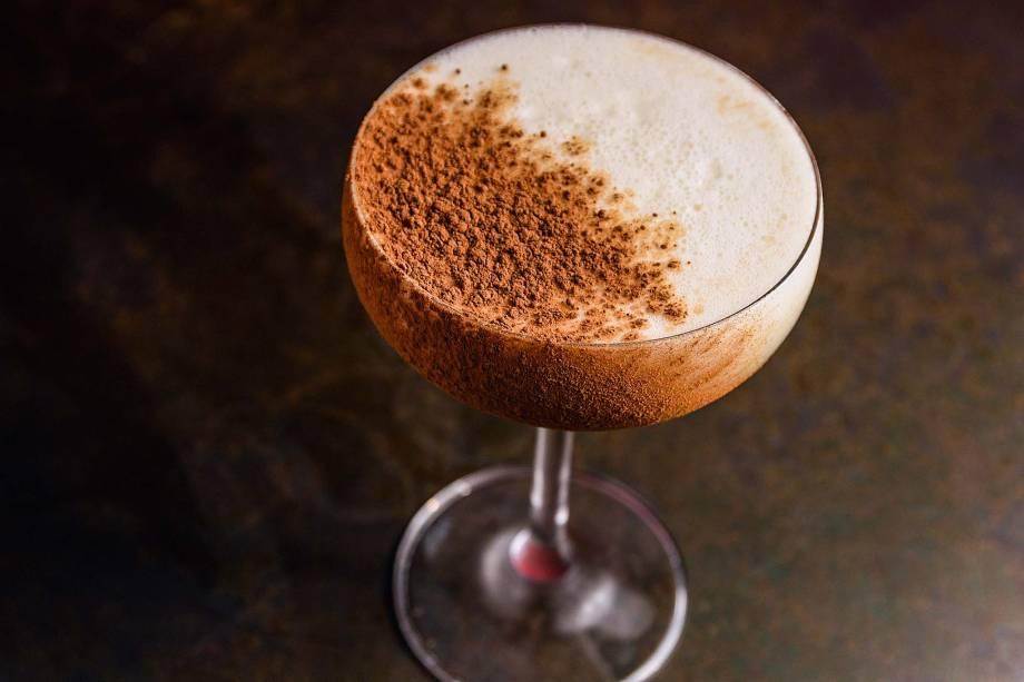 Cupuasour: bourbon, limão-siciliano, licor de amêndoa e cupuaçu