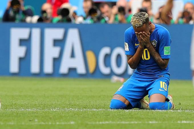 neymar chorando jogo futebol