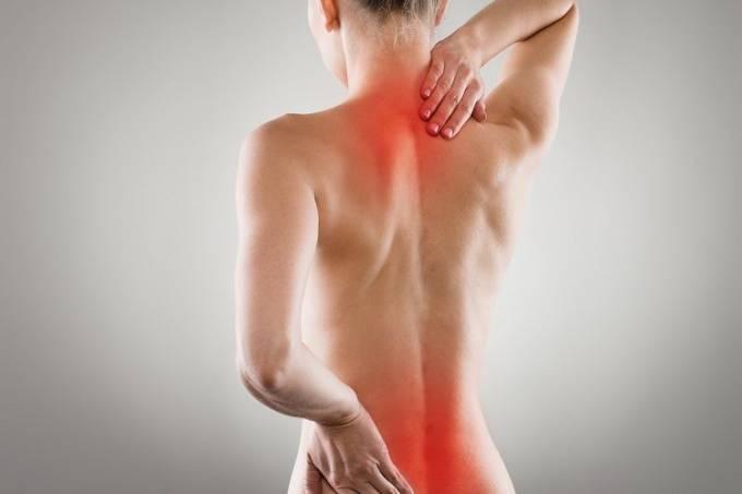mulher-dor-nas-costas-e1479729647775-750×500