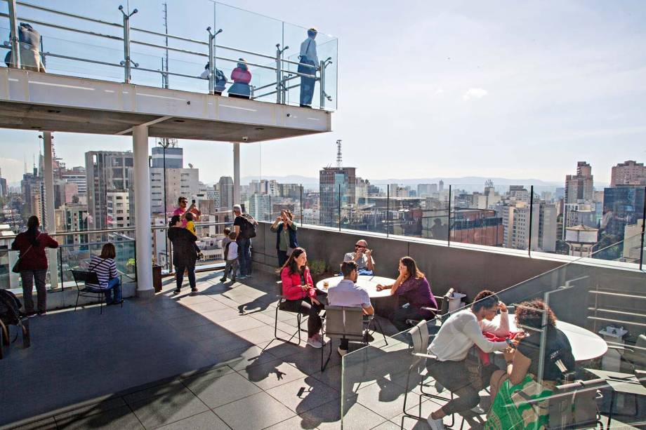 Terraço, no 17º andar:vista privilegiadada Avenida Paulista