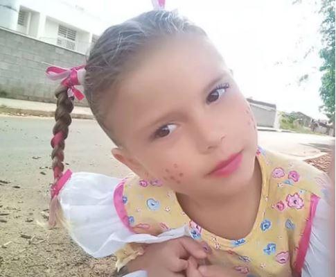 Yasmin escorpião