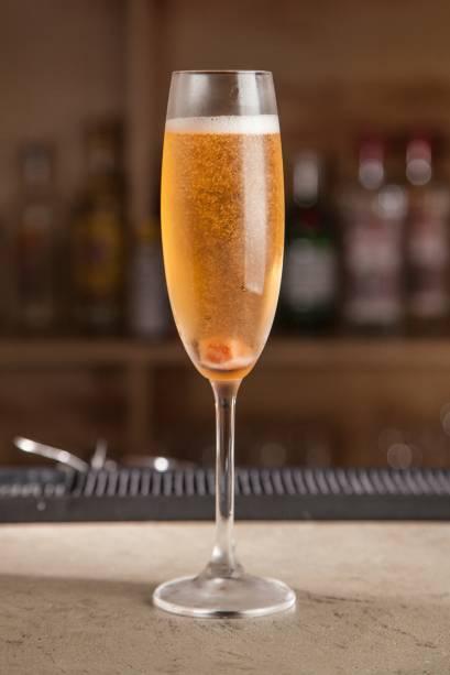 Cava cocktail: originalmente, é feito com champanhe
