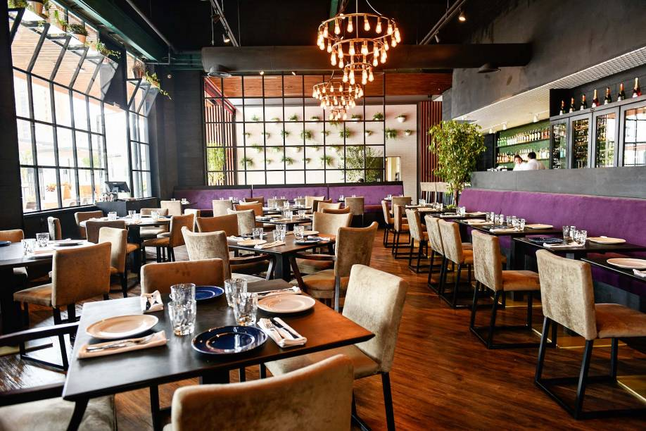 Ambiente do el Carbón: restaurante fica na cobertura do Jardim Pamplona Shopping