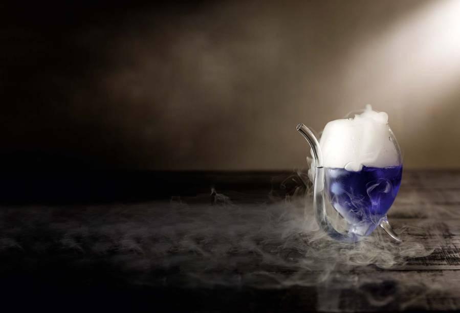 O químico: vem com gelo seco no vidro que lembra o de laboratório