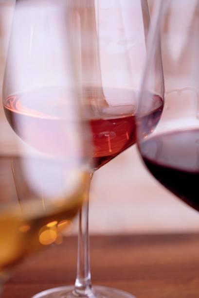 Sede261: os rótulos da casa, especializada em vinhos, mudam toda semana no bar revelação de Veja COMER & BEBER 2018