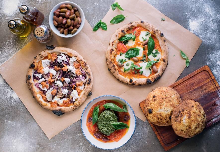 Tricampeã: pizzas individuais ao estilo napolitano da Carlos são as melhores da cidade