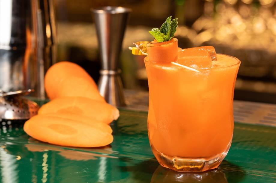 O twity, com cenoura e vodca: drinque do Sylvester