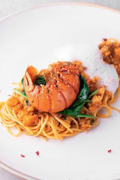 O prato do ano por VEJA COMER & BEBER 2018/2019: tagliolini com lagosta no Emiliano