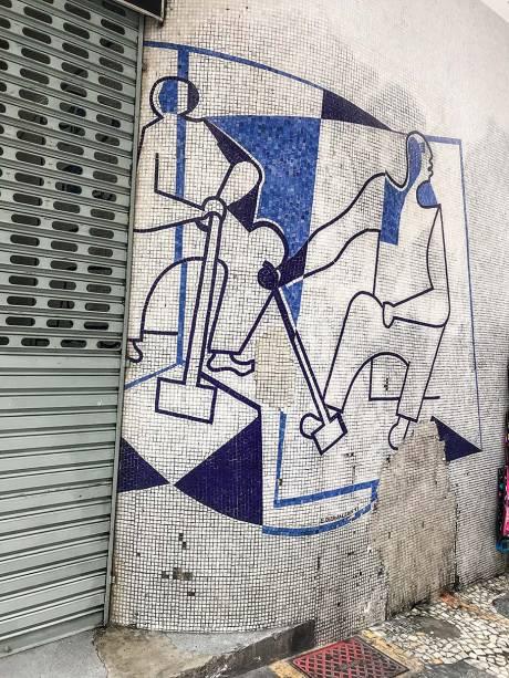 Painel de Di Cavalcanti,do Edifício Triângulo,projetado por OscarNiemeyer (1952-1955):tombado em 2004