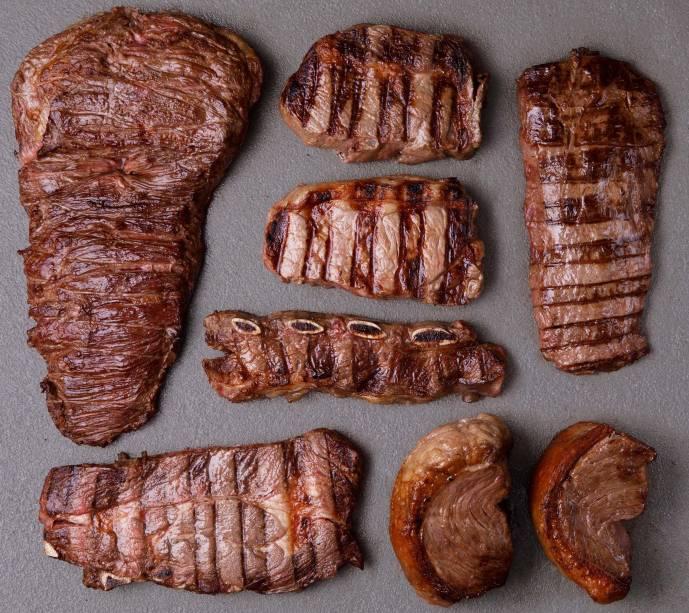 O melhor rodízio: eleito pela quarta vez pelo guia COMER & BEBER, os cortes são servidos em formato de degustação