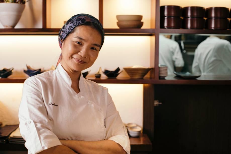 Telma Shiraishi: à frente do japonês Aizomê, a chef prepara bentôs na Japan House